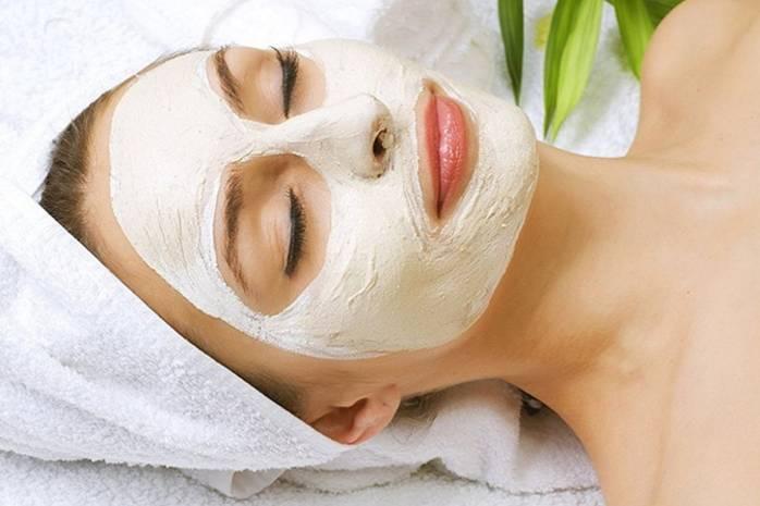 Как избавиться от черных точек на носу: 3 эффективные маски