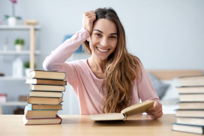 ТОП-5 откровенных и веселых книг о материнстве