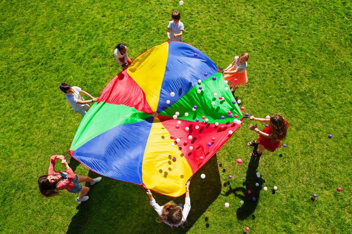 Веселое лето: 10 идей для летних игр с детьми