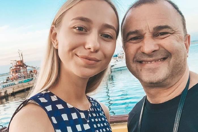 «Весь мир остановился»: молодая жена Виктора Павлика родила сына