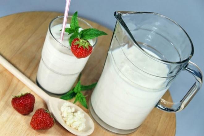 moloko_i_yogurt_660x441