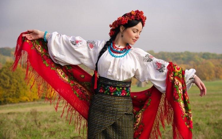 ukrainskaya_jenschina_750x497_025750497