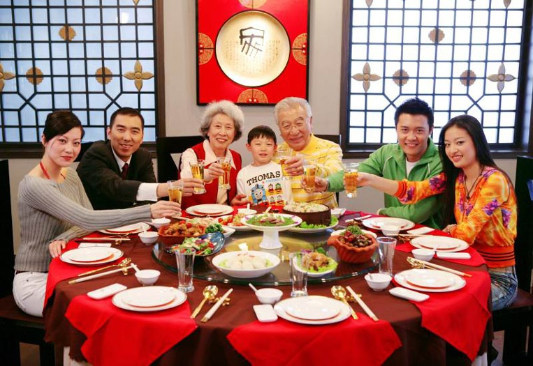 chinise-family-new-year