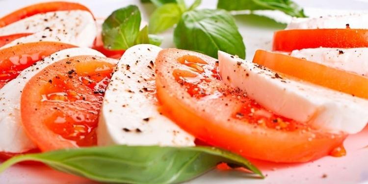 pomidoryi_i_syir_750x375