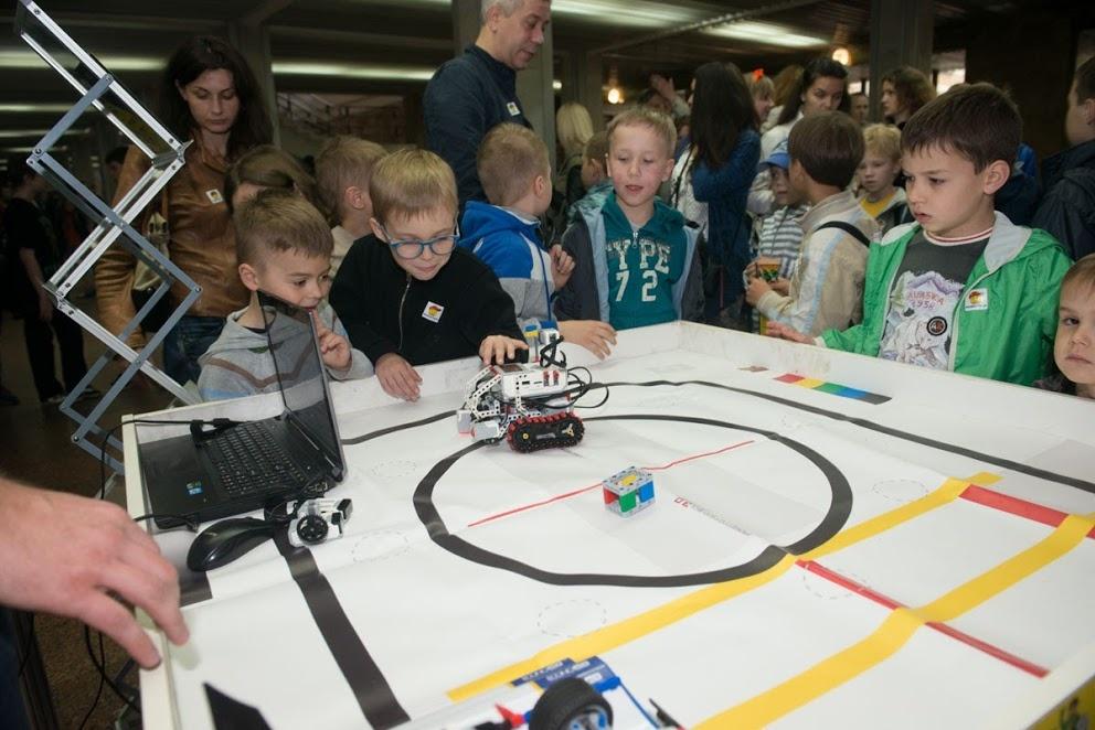 v-kieve-sostoitsya-festival-robotica-2017-2