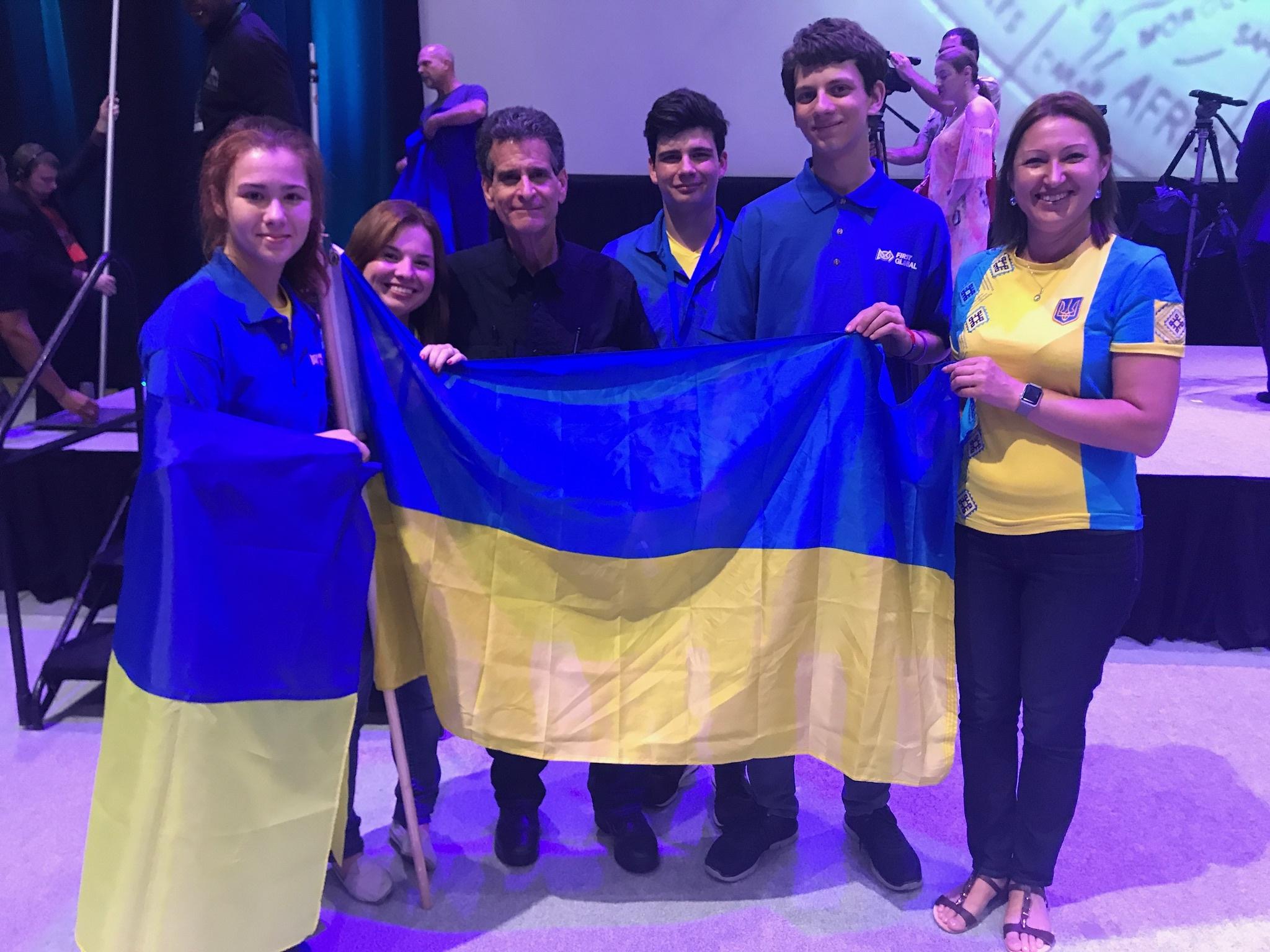 ukrainskie-shkolniki-voshli-v-20-ku-silneyshih-robototehnikov-mira-1