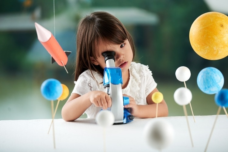 portrait-of-curious-little-scientist-picture-id813895790