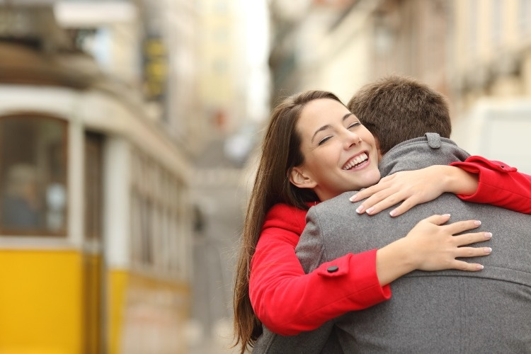 encounter-of-a-couple-hugging-in-love-picture-id621380044_01