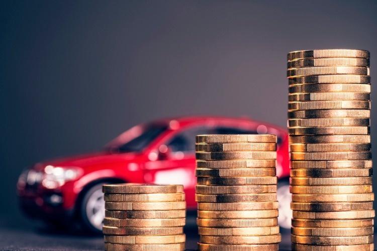 steigende-autokosten-picture-id867003336
