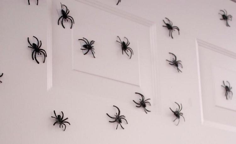 03-indoor-halloween-decorations-ideas-farmfoodfamily.com_