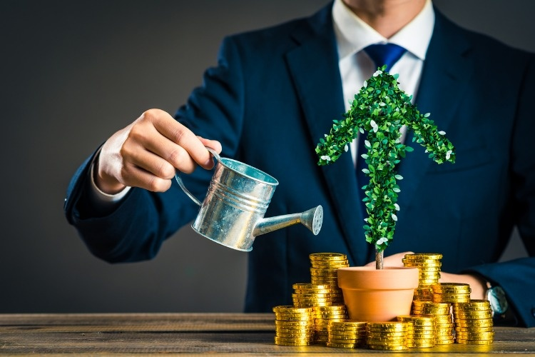 businessmen-with-plants-picture-id878024928