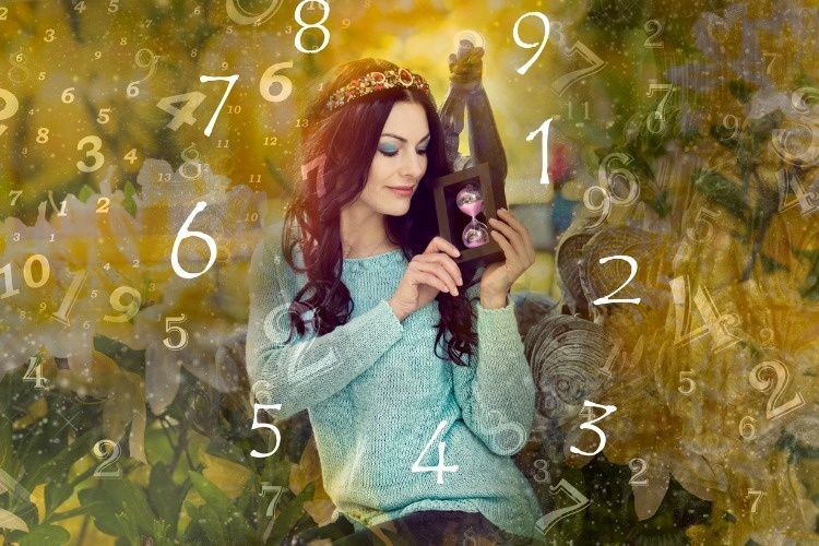 woman-and-numerology-picture-id868995004