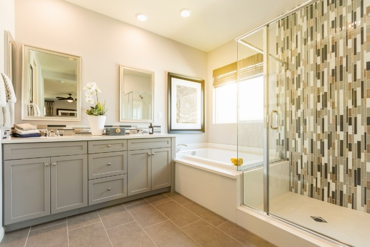 beautiful-custom-master-bathroom-picture-id944868094
