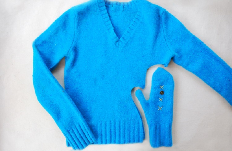 diy-craft-project-mittens-old-sweaters-upcycle_12