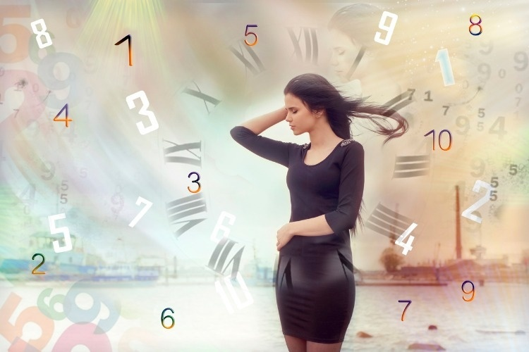 womans-face-magic-of-figures-numerology-picture-id604824054