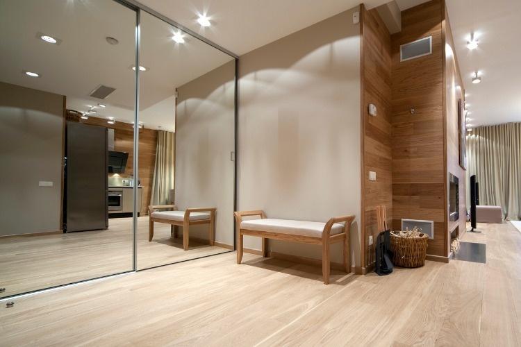 corridor-picture-id122358801