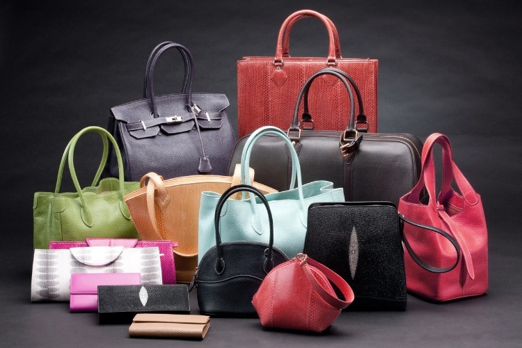 set-of-beautiful-leather-handbags-picture-id527703675_01