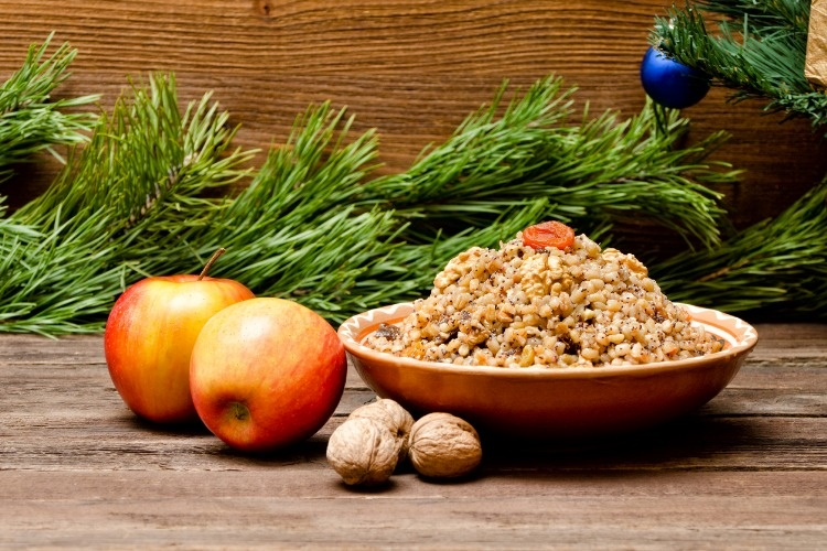dish-with-kutia-traditional-christmas-treat-of-the-slavs-on-christmas-picture-id870860426_01