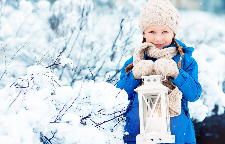 child-winter-snow-lamp-devochka-rebenok-zima-shapka-kurtka-f