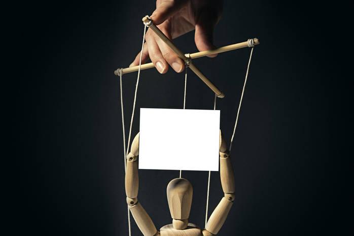 Как не стать жертвой манипуляций в отношениях